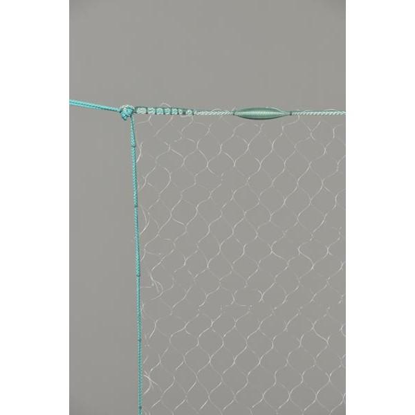 Monofil-Kiemennetz, 70 mm Maschenweite und größer, 1,50 m tief, fangfertig montiert.
