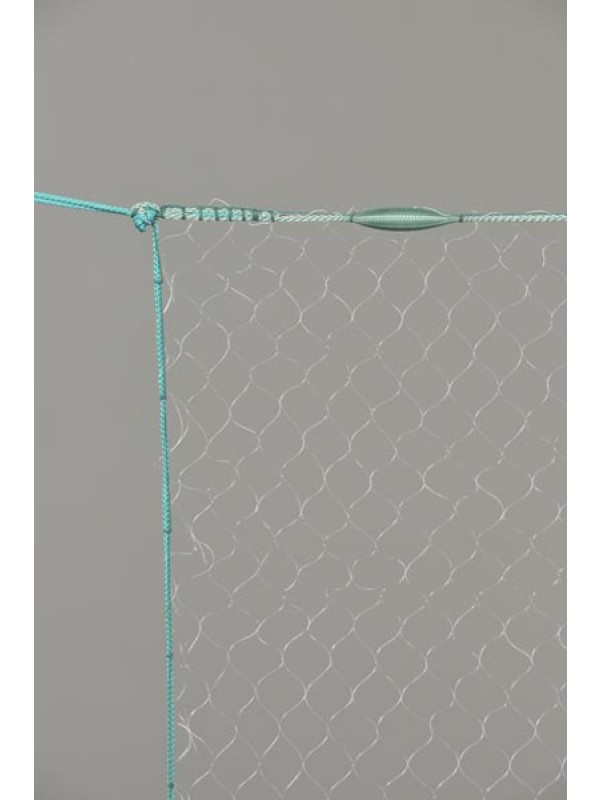 Monofil-Kiemennetz, 70 mm Maschenweite und größer, 2,0 m tief, fangfertig montiert.