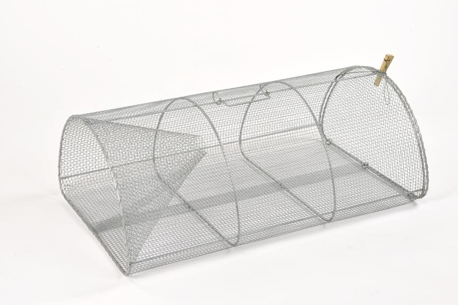 Drahtreuse mit Drahtkehle, 155 cm Umfang, 100 cm lang.