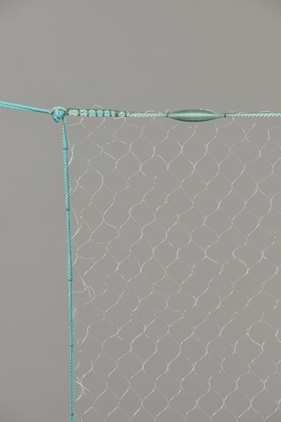 Monofil-Kiemennetz, 25 mm Maschenweite, 1,5 m tief, fangfertig montiert.